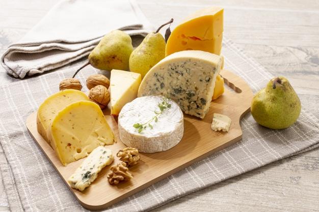 aperitivos de peras y queso